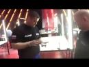 Команда Вебера взвешивает робота в боксах King of Bots