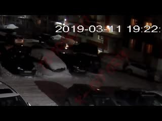 Труп мужчины привезли на авто в сургуте и бросили под подъезд