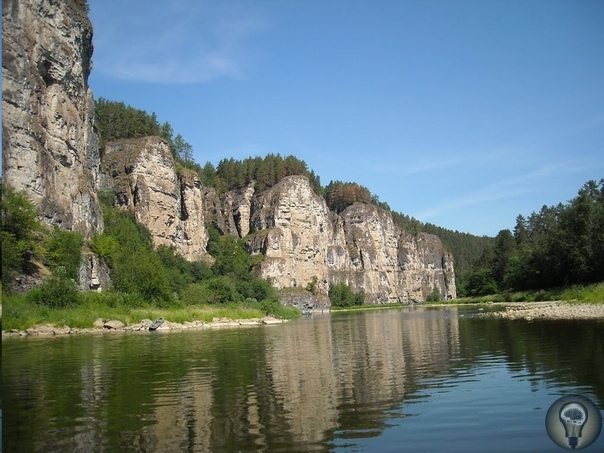 ЗАГАДКИ РЕКИ АЙ Урал славится необычно красивыми и живописными местами и река Ай одно из самых удивительных и замечательных мест на Южном Урале, которое, безусловно, пользуется большим спросом у