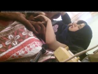 iraqi_hijabi_young_couple_480p